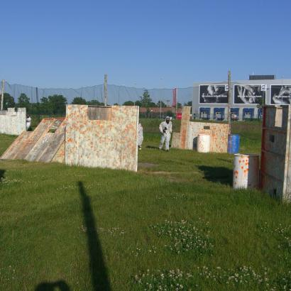Spacious outdoor paintball arena in Hamburg